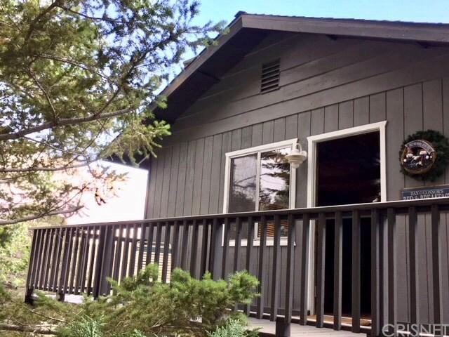 5507 Zermatt Drive, Wrightwood, CA 92397 (#SR18199728) :: The Darryl and JJ Jones Team