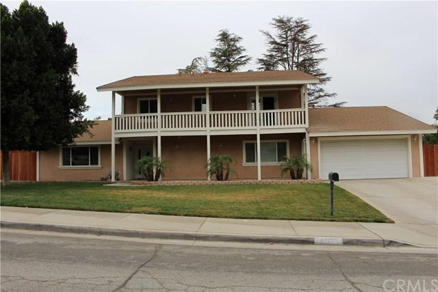 6053 Enfield Place, Riverside, CA 92506 (#IV18199005) :: The DeBonis Team