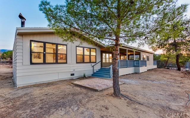 9831 Oasis Road, Pinon Hills, CA 92372 (#IG18199867) :: RE/MAX Masters