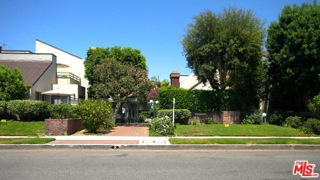 18755 Hatteras Street #16, Tarzana, CA 91356 (#18376540) :: The Darryl and JJ Jones Team