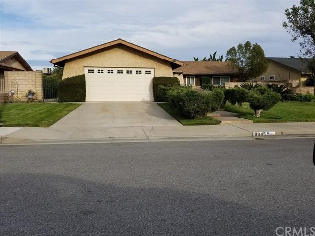9945 Briarwood Avenue, Fontana, CA 92335 (#CV18197473) :: Mainstreet Realtors®