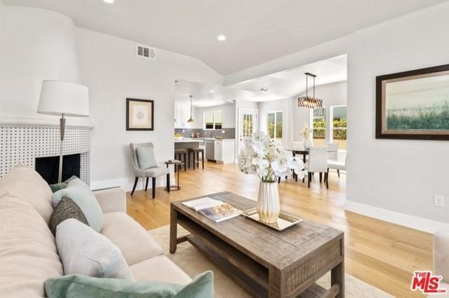 1622 S Hayworth Avenue, Los Angeles (City), CA 90035 (#18373586) :: DSCVR Properties - Keller Williams