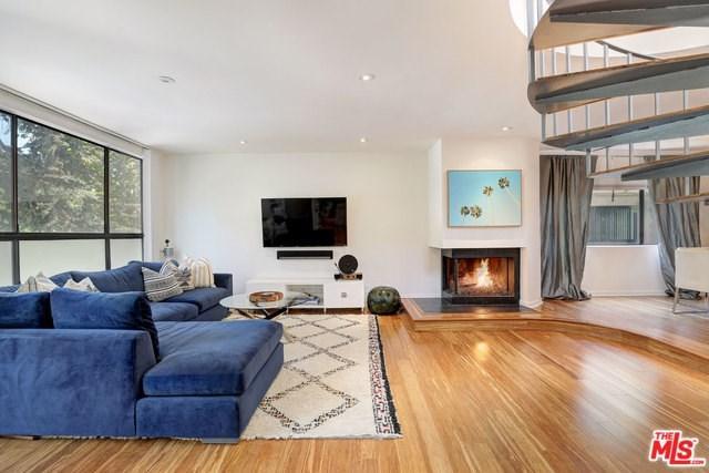 11752 Bellagio Road #1, Los Angeles (City), CA 90049 (#18376420) :: DSCVR Properties - Keller Williams