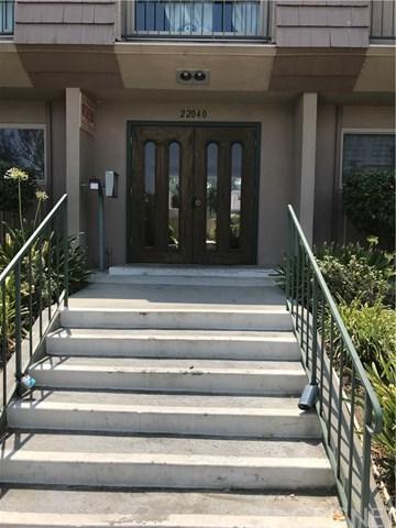 22040 Calvert Street #3, Woodland Hills, CA 91367 (#SR18200948) :: Z Team OC Real Estate