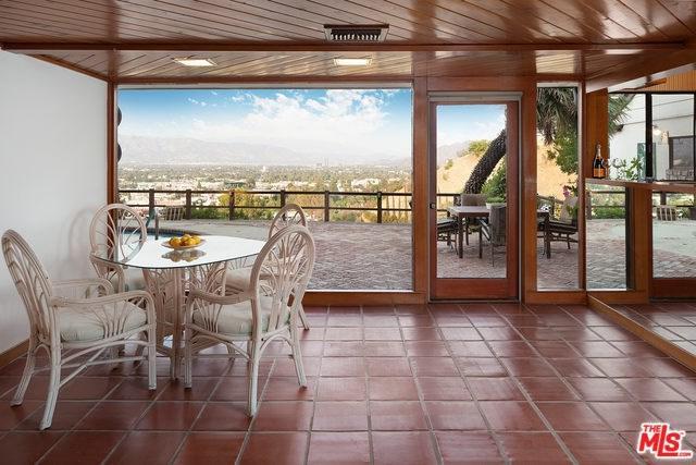 3621 Sunswept Drive, Studio City, CA 91604 (#18376930) :: Z Team OC Real Estate