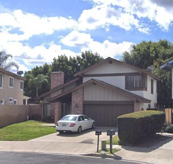 23222 Stella Court, Lake Forest, CA 92630 (#OC18201412) :: Doherty Real Estate Group