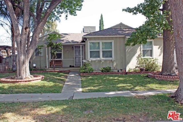 18343 Domino Street, Tarzana, CA 91335 (#18377212) :: The Darryl and JJ Jones Team