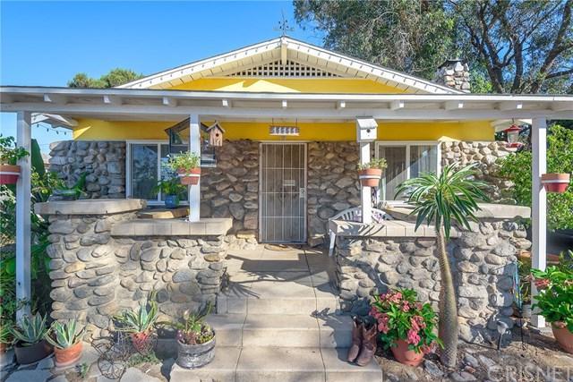 11111 Thelma Street, Sun Valley, CA 91352 (#SR18201831) :: Z Team OC Real Estate