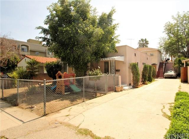 10706 Moorpark Street, North Hollywood, CA 91602 (#SR18201970) :: The Darryl and JJ Jones Team