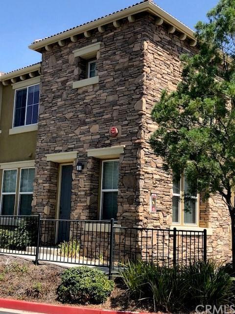 30505 Canyon Hills Road #2905, Lake Elsinore, CA 92532 (#IG18200882) :: The Darryl and JJ Jones Team