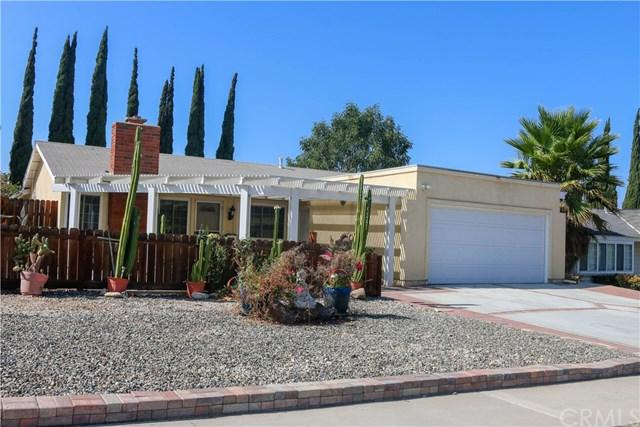 971 Redwood Court, Corona, CA 92879 (#IG18203394) :: RE/MAX Masters