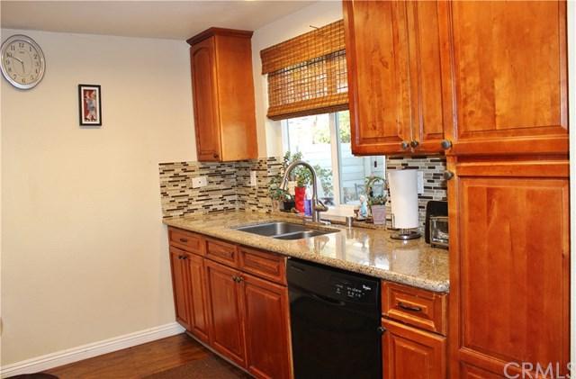 58 Rockwood, Irvine, CA 92614 (#OC18203498) :: Doherty Real Estate Group