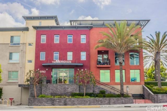 2742 Cabrillo Avenue #210, Torrance, CA 90501 (#SB18201959) :: The Laffins Real Estate Team