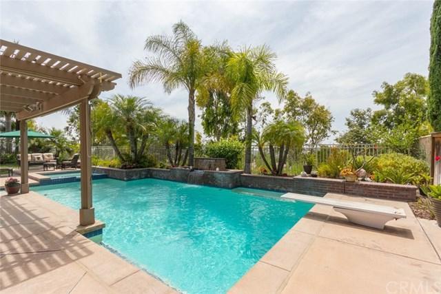 35 Las Pisadas, Rancho Santa Margarita, CA 92688 (#OC18202481) :: Doherty Real Estate Group