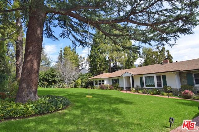 4736 Gould Avenue, La Canada Flintridge, CA 91011 (#18379136) :: Fred Sed Group