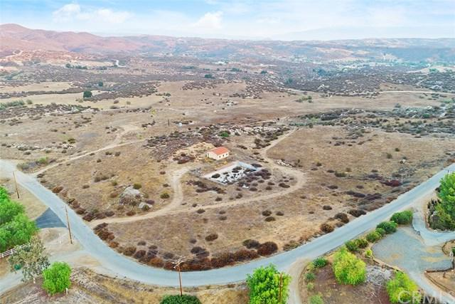 39900 Intrepid Road, Temecula, CA 92592 (#SW18208816) :: Realty ONE Group Empire