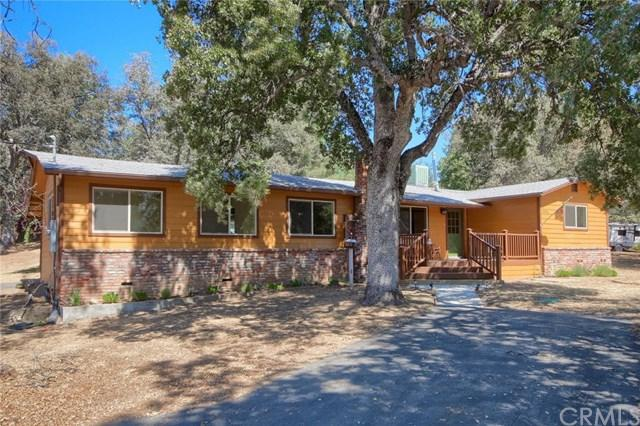 42967 Country Club Drive E, Oakhurst, CA 93644 (#FR18215485) :: The Ashley Cooper Team