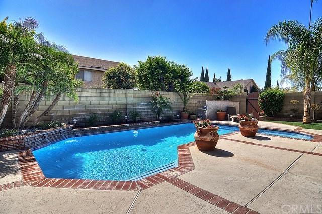2208 E Nyon Avenue, Anaheim, CA 92806 (#PW18216382) :: Zilver Realty Group