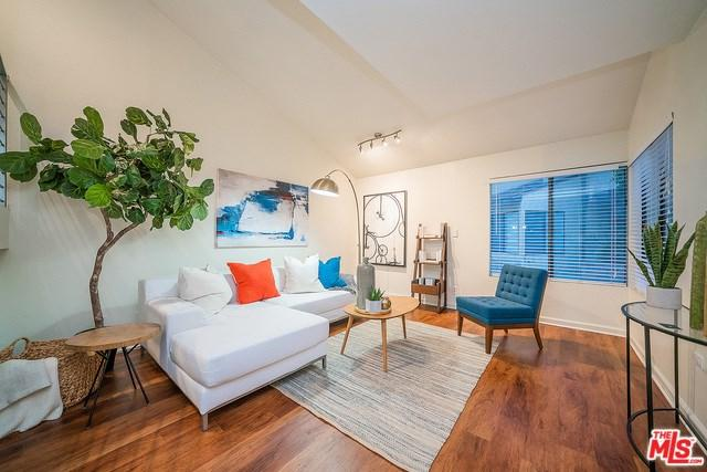 620 W Hyde Park #127, Inglewood, CA 90302 (#18383960) :: The Laffins Real Estate Team