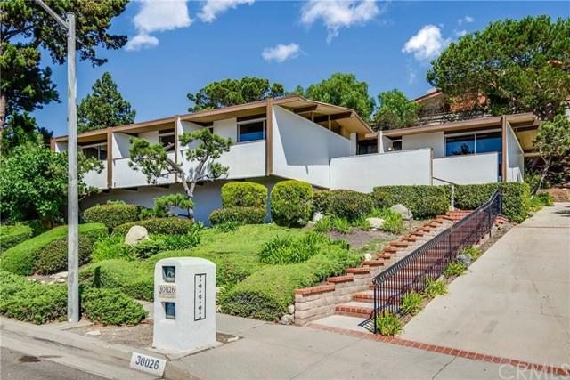 30026 Avenida Classica, Rancho Palos Verdes, CA 90275 (#PV18221072) :: The Laffins Real Estate Team