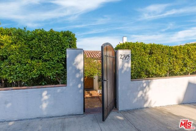 2745 Glendower Avenue, Los Angeles (City), CA 90027 (#18385344) :: The Laffins Real Estate Team