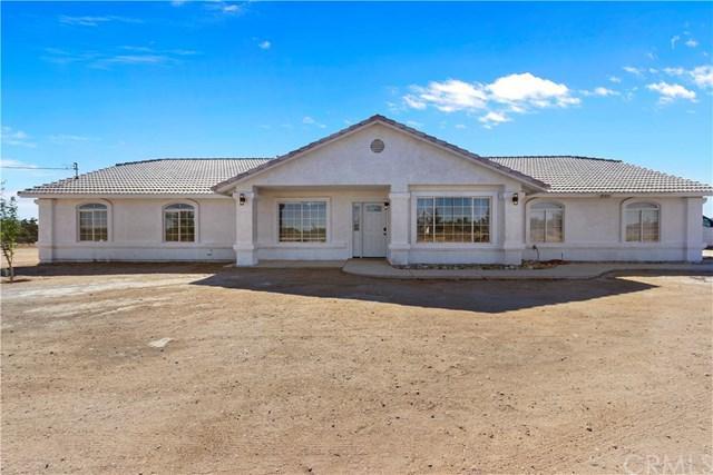 12525 Mission Street, Oak Hills, CA 92344 (#CV18223192) :: Barnett Renderos