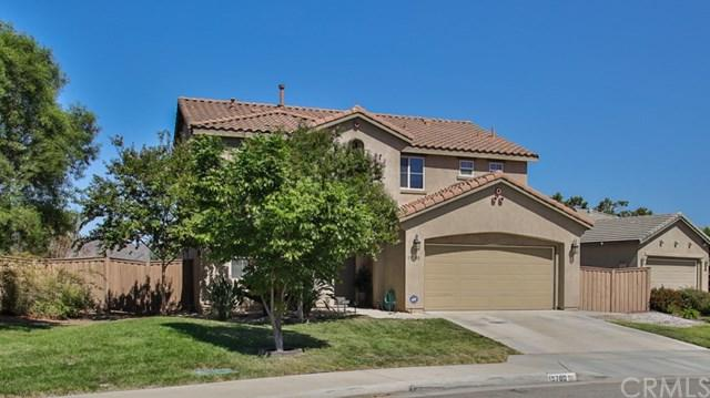 19780 Berrywood Drive, Lake Elsinore, CA 92530 (#OC18224749) :: Team Tami