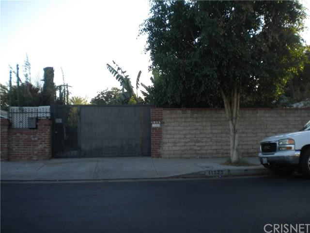 11525 Dronfield Avenue, Pacoima, CA 91331 (#SR18225471) :: RE/MAX Innovations -The Wilson Group