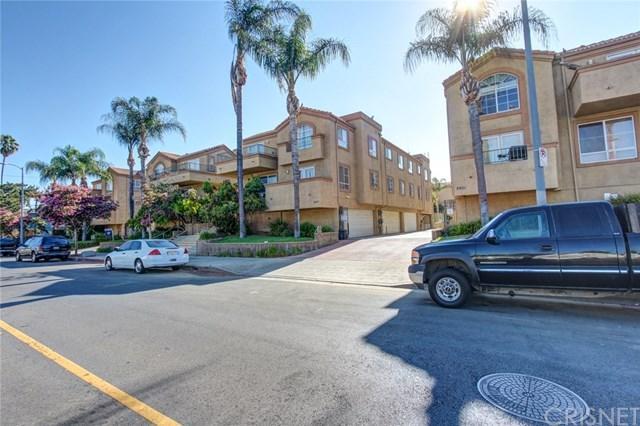 6923 Hazeltine Avenue B, Van Nuys, CA 91405 (#SR18225502) :: The Laffins Real Estate Team
