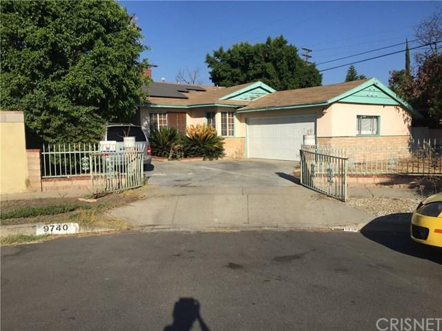 9740 Roslyndale Avenue, Arleta, CA 91331 (#SR18225610) :: RE/MAX Innovations -The Wilson Group