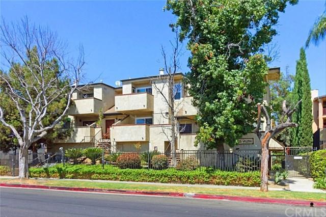 14435 Valerio Street #16, Van Nuys, CA 91405 (#WS18224155) :: The Laffins Real Estate Team