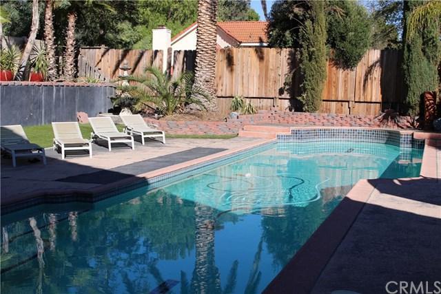42106 Via Beso Del Sol, Temecula, CA 92591 (#IV18225571) :: Impact Real Estate