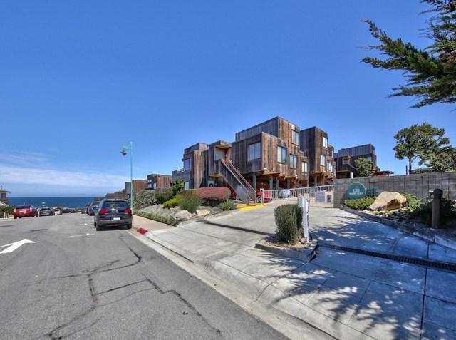 125 Surf Way #343, Monterey, CA 93940 (#ML81723684) :: RE/MAX Parkside Real Estate