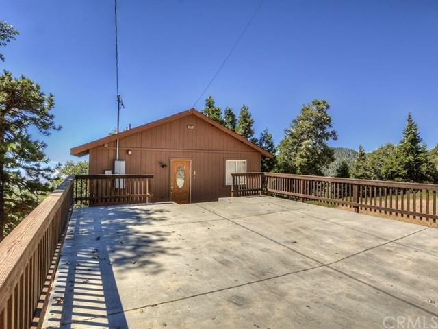 21515 Peak Circle, Cedarpines Park, CA 92322 (#EV18224558) :: The Laffins Real Estate Team