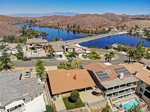 29228 Old Wrangler Road, Canyon Lake, CA 92587 (#OC18221979) :: Team Tami
