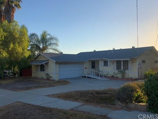1351 Darby Street, Spring Valley, CA 91977 (#IV18226808) :: Fred Sed Group