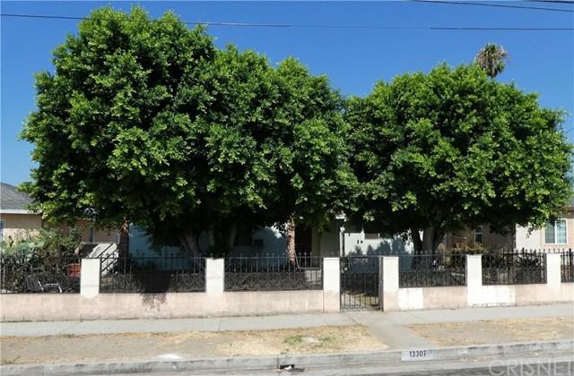 13307 Terra Bella Street, Pacoima, CA 91331 (#SR18226916) :: Team Tami