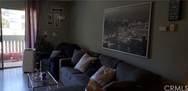 550 W Regent Street #106, Inglewood, CA 90301 (#CV18227011) :: The Laffins Real Estate Team