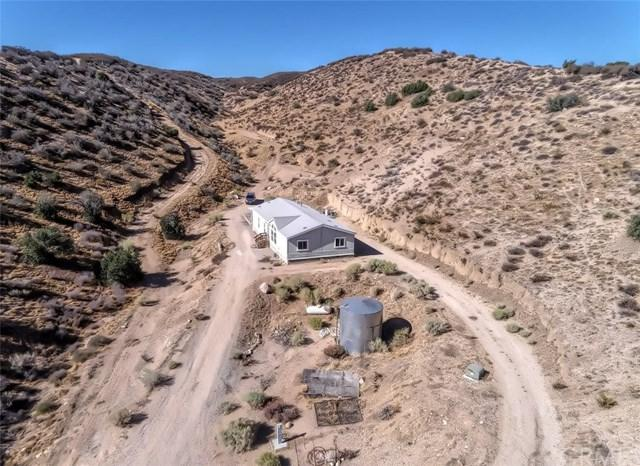 13905 Summit Valley Road, Hesperia, CA 92345 (#EV18225120) :: The Laffins Real Estate Team