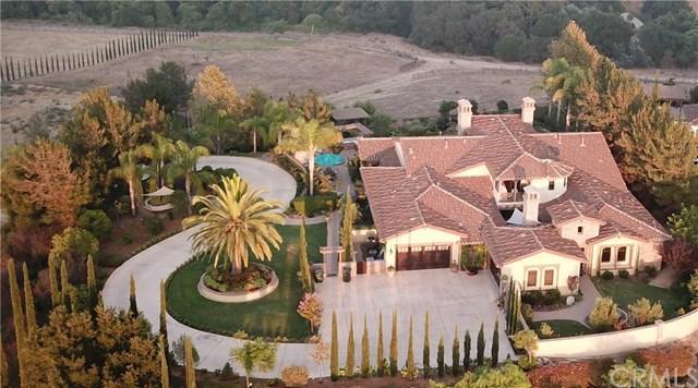 1874 Marci Way, Fallbrook, CA 92028 (#OC18226624) :: Barnett Renderos