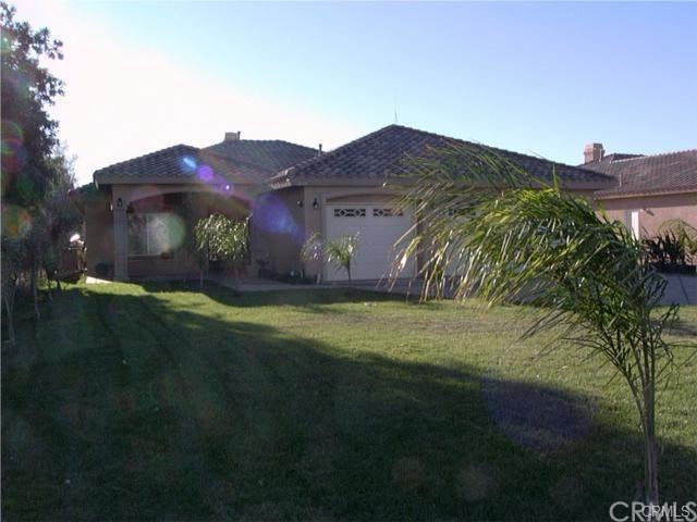 5480 Tyler Street, Riverside, CA 92503 (#IV18228234) :: The DeBonis Team