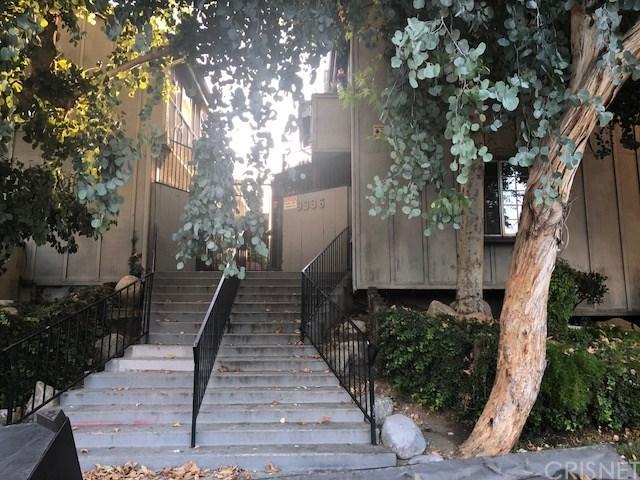 9336 Van Nuys Boulevard #48, Van Nuys, CA 91402 (#SR18228488) :: The Laffins Real Estate Team