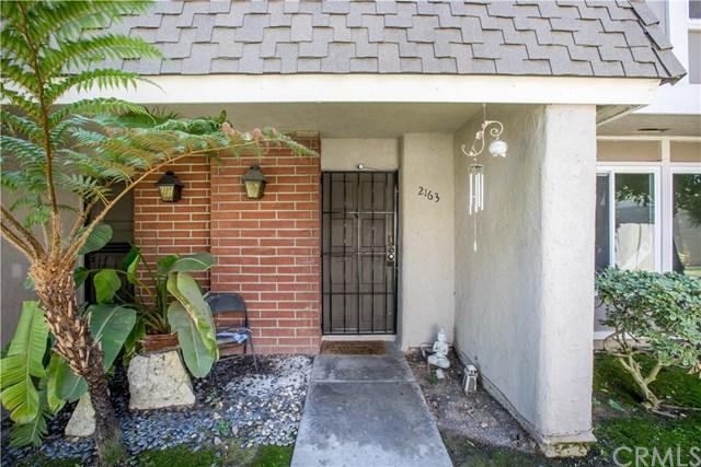 2163 W Essex Circle, Anaheim, CA 92804 (#PW18228531) :: Team Tami
