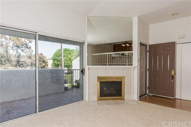 18348 Collins Street C, Tarzana, CA 91356 (#SR18228835) :: Barnett Renderos