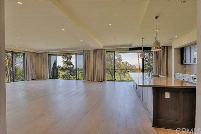 1121 Santa Barbara Dr., Newport Beach, CA 92660 (#OC18228635) :: Scott J. Miller Team/RE/MAX Fine Homes