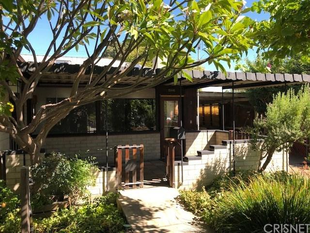15441 Mayall Street, Mission Hills (San Fernando), CA 91345 (#SR18229071) :: Barnett Renderos