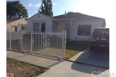 11117 Ruthelen Street, Los Angeles (City), CA 90047 (#PW18229288) :: Team Tami