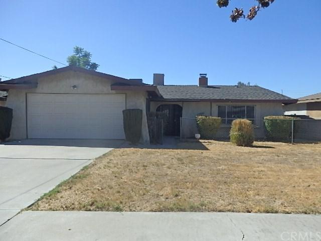 17351 Grevillea Street, Fontana, CA 92335 (#PW18229315) :: The Laffins Real Estate Team