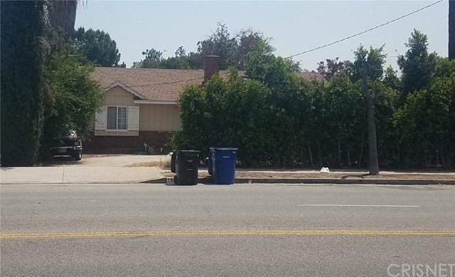 15236 Lassen Street, Mission Hills (San Fernando), CA 91345 (#SR18229547) :: Barnett Renderos