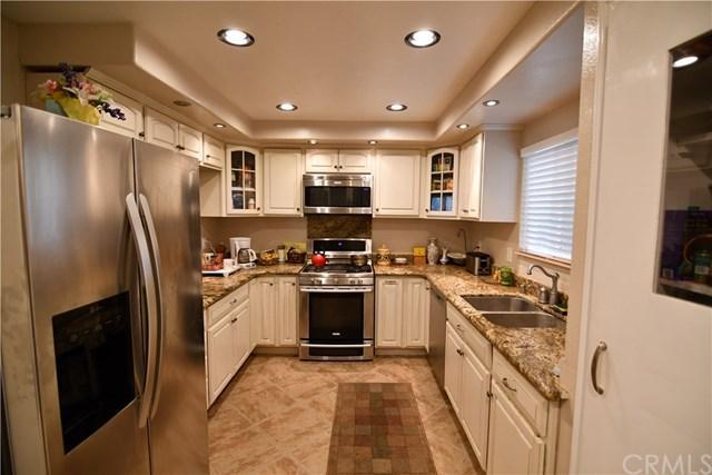 4831 Lago Drive #103, Huntington Beach, CA 92649 (#OC18230067) :: Scott J. Miller Team/RE/MAX Fine Homes